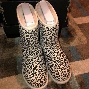 Classic short rosette Ugg boots